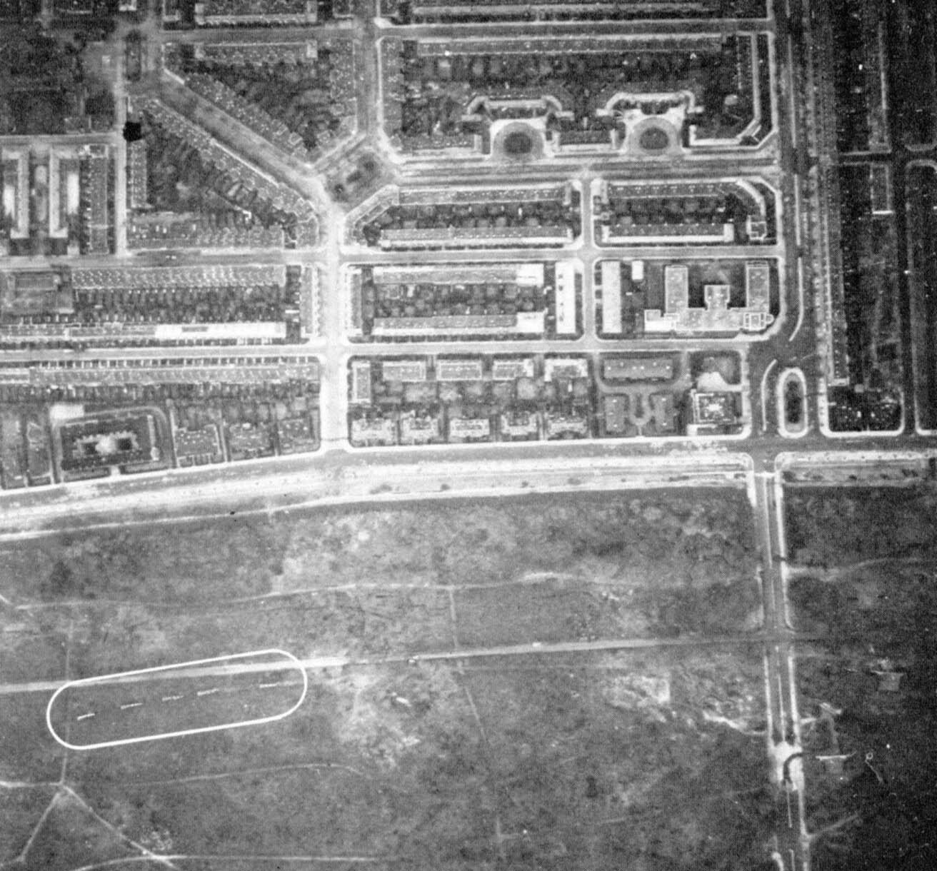 RAF Reconnaissance photos of the Haagse Bos during the war (met V2's op transport in de cirkel)