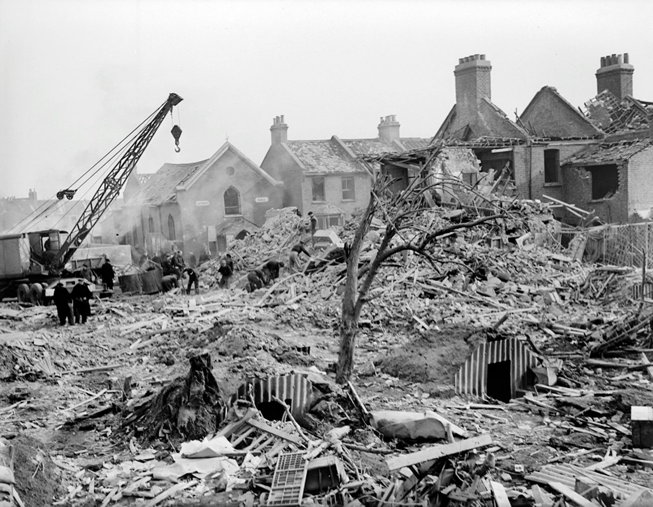 http://www.v2rocket.com/start/deployment/priory-rd-near-west-ham-stadium-jan-28-1945.jpg